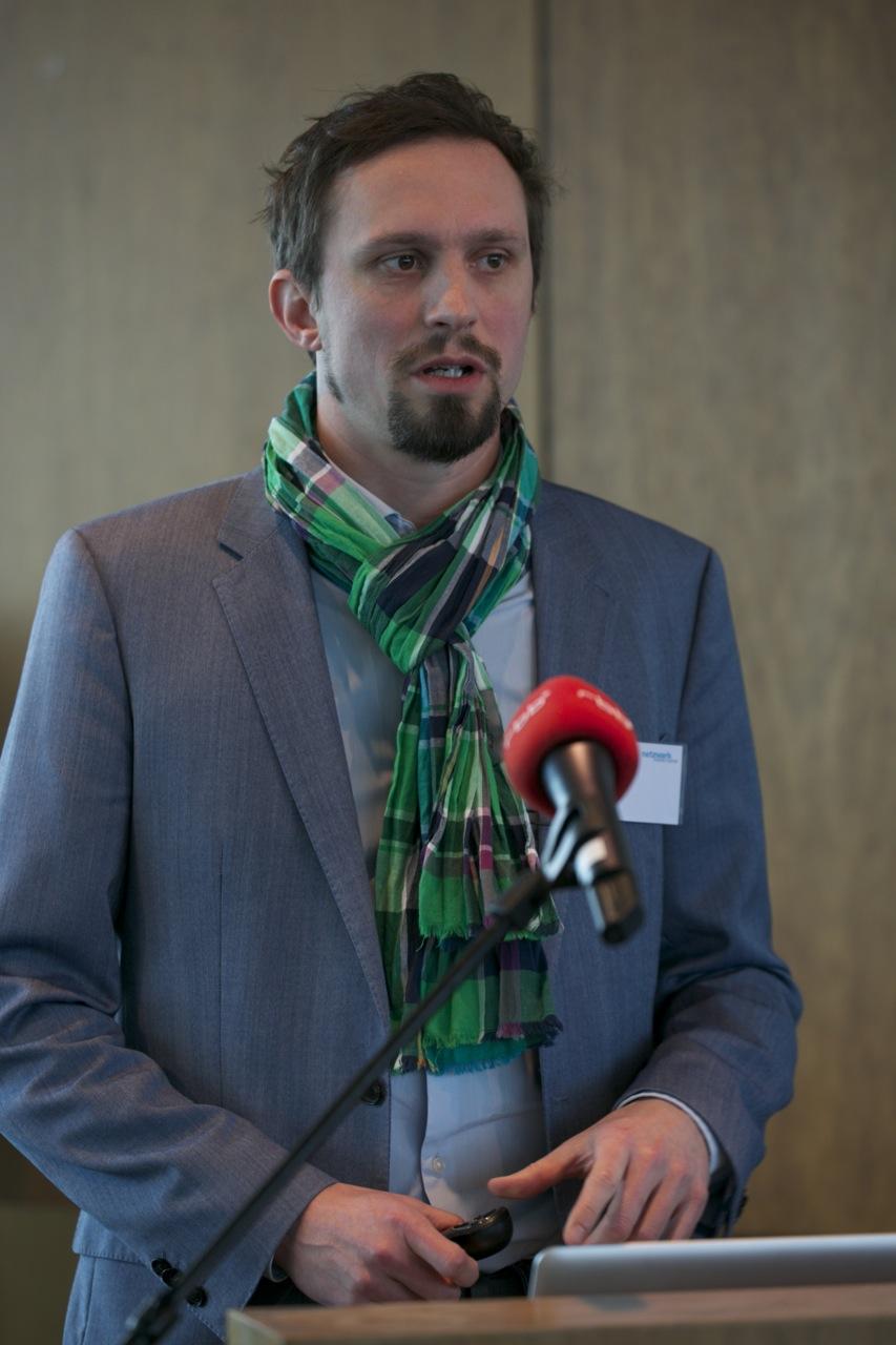 Florian Hager auf dem Crossmedia-Tag des netzwerk medien-trainer