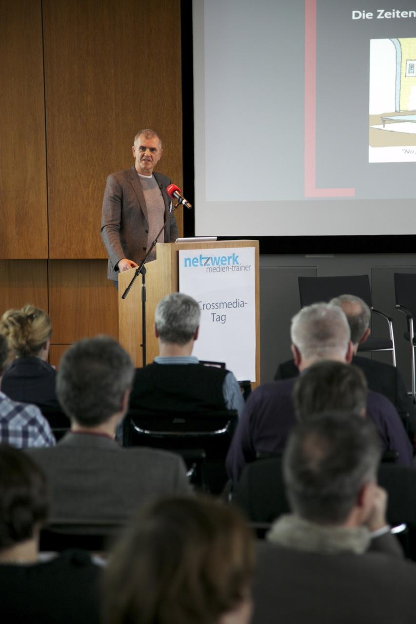 Peter Schulz auf dem Crossmedia-Tag des netzwerk medien-trainer