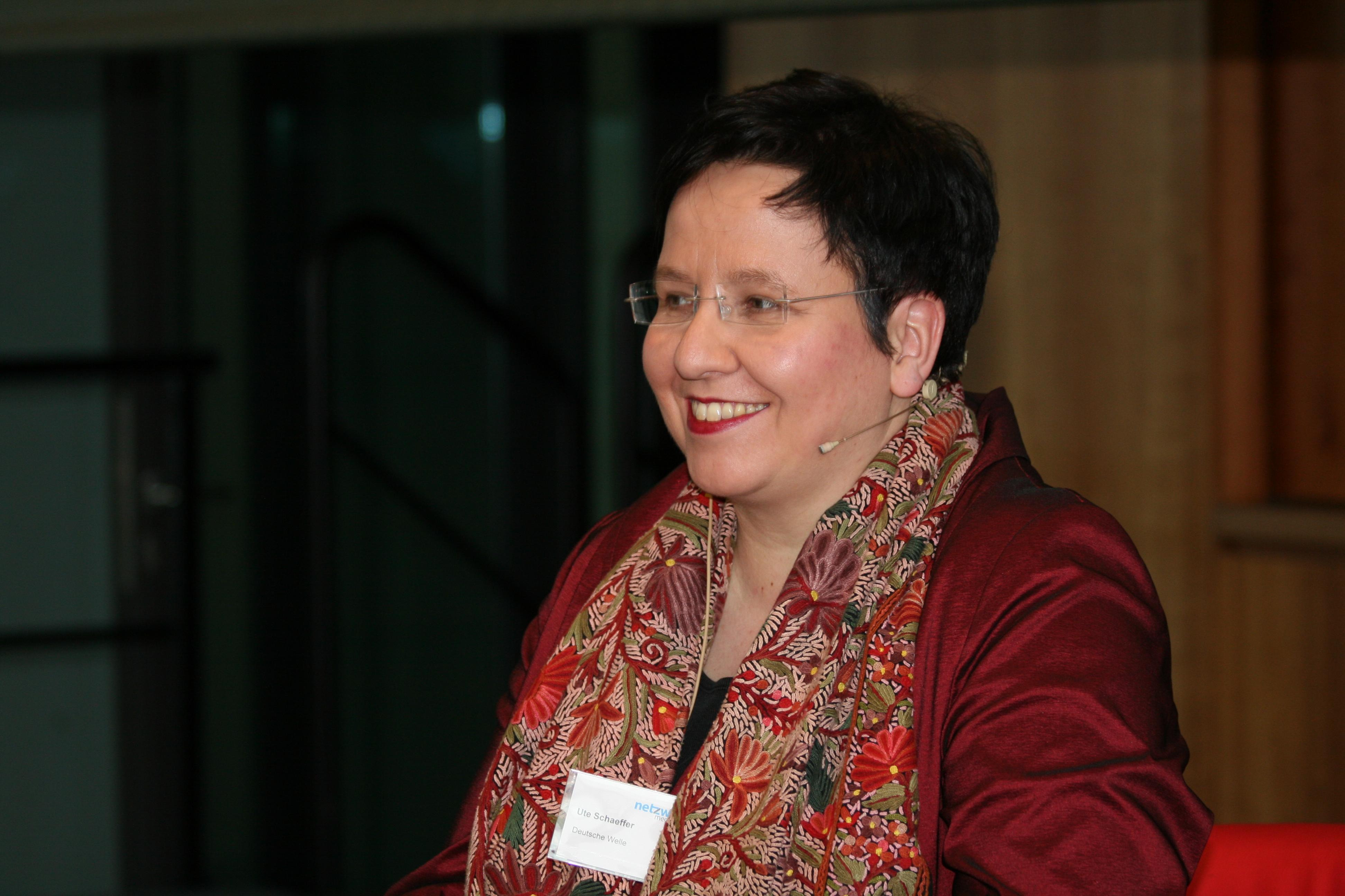 Ute Schaeffer auf dem Crossmedia-Tag des netzwerk medien-trainer