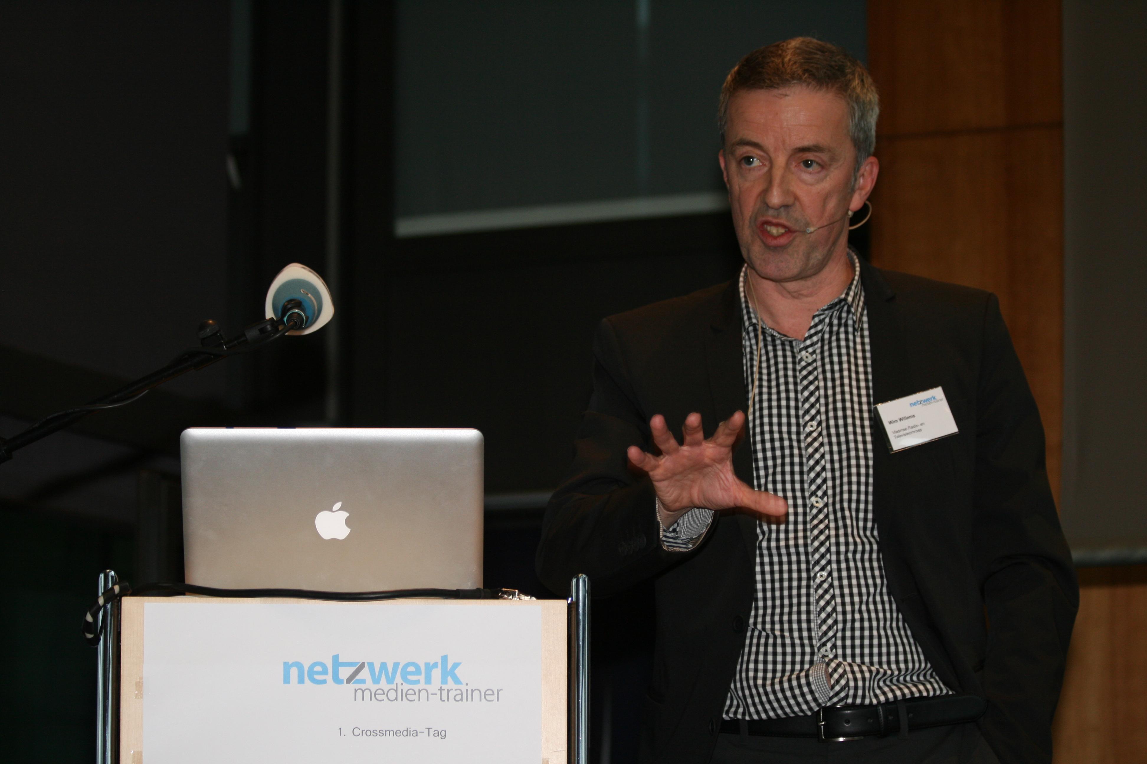 Wim Willems auf dem Crossmedia-Tag des netzwerk medien-trainer