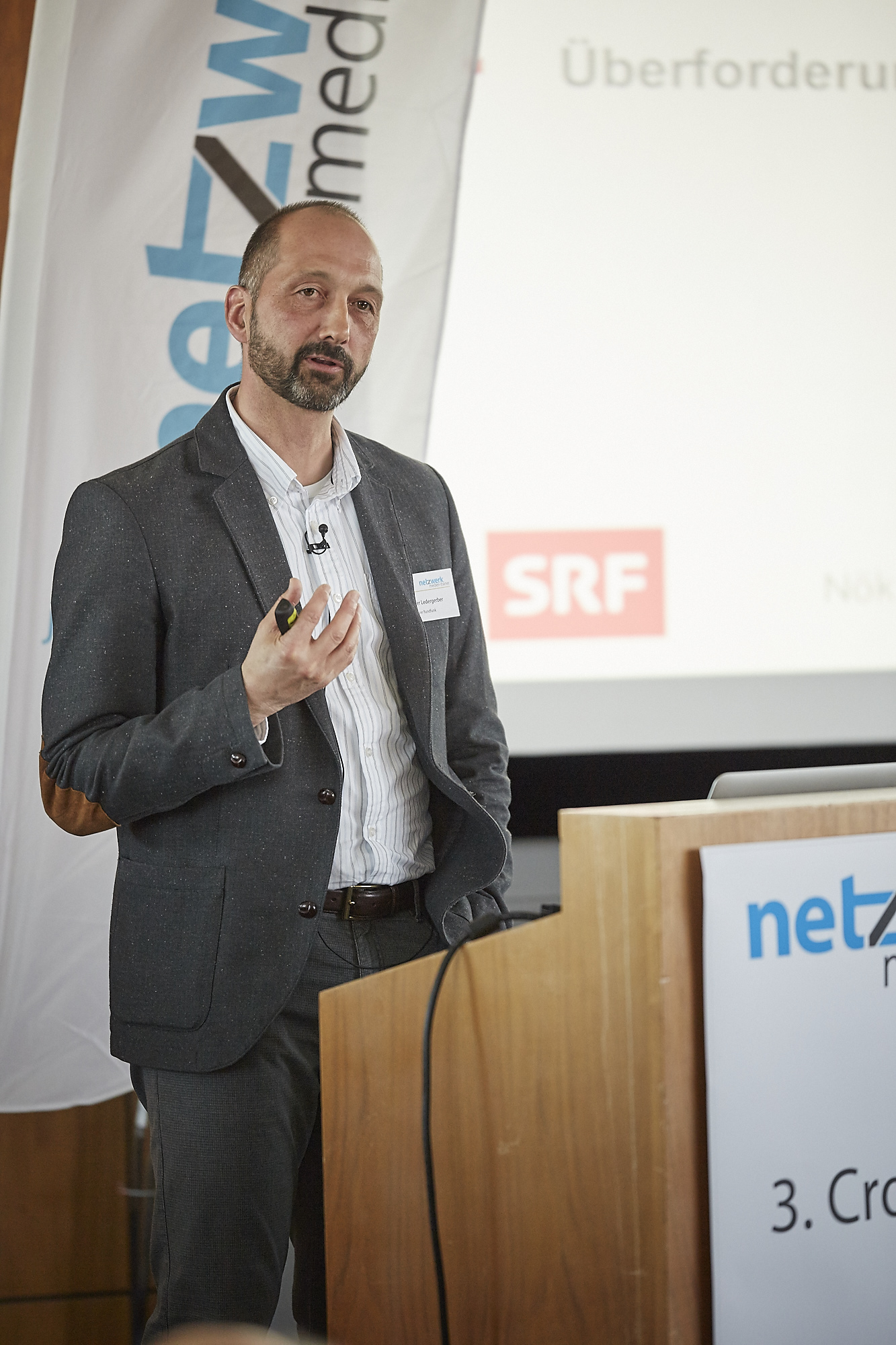Notker Ledergerber auf dem Crossmedia-Tag des netzwerk medien-trainer