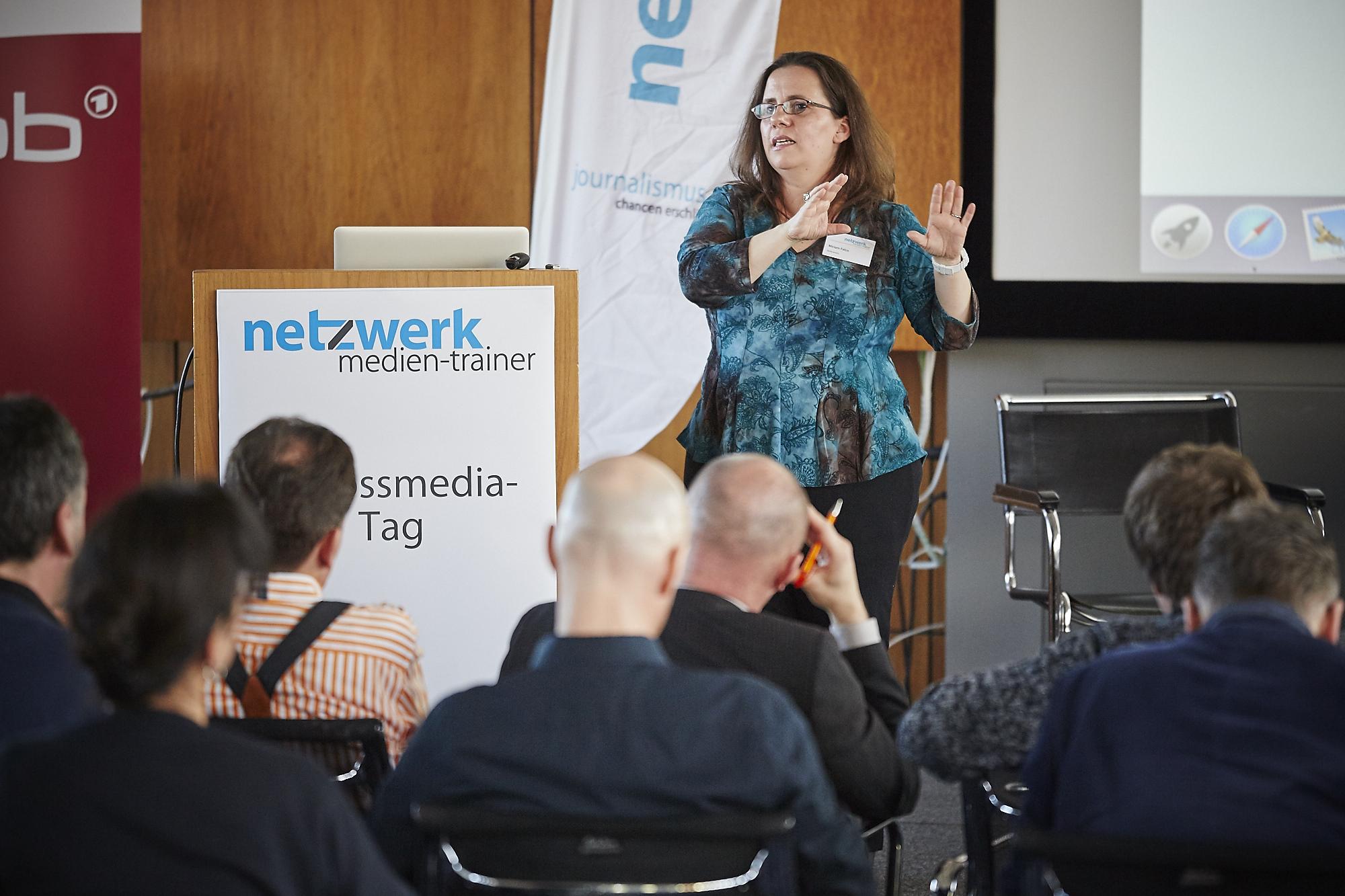 Miriam Falco auf dem Crossmedia-Tag des netzwerk medien-trainer