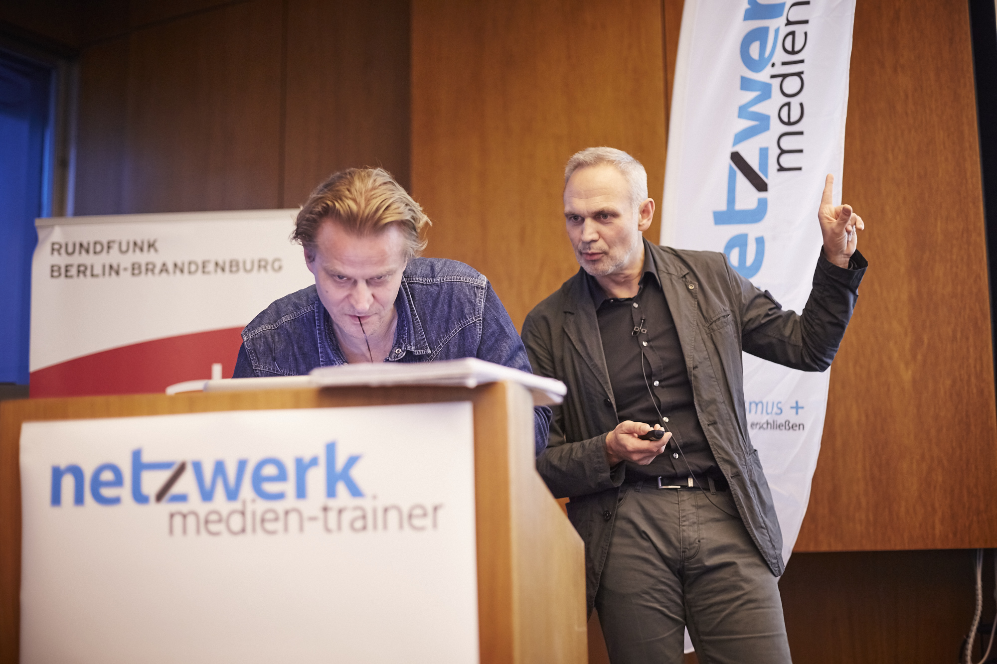 Mirko Lorenz und Wilfried Runde auf dem Crossmedia-Tag des netzwerk medien-trainer
