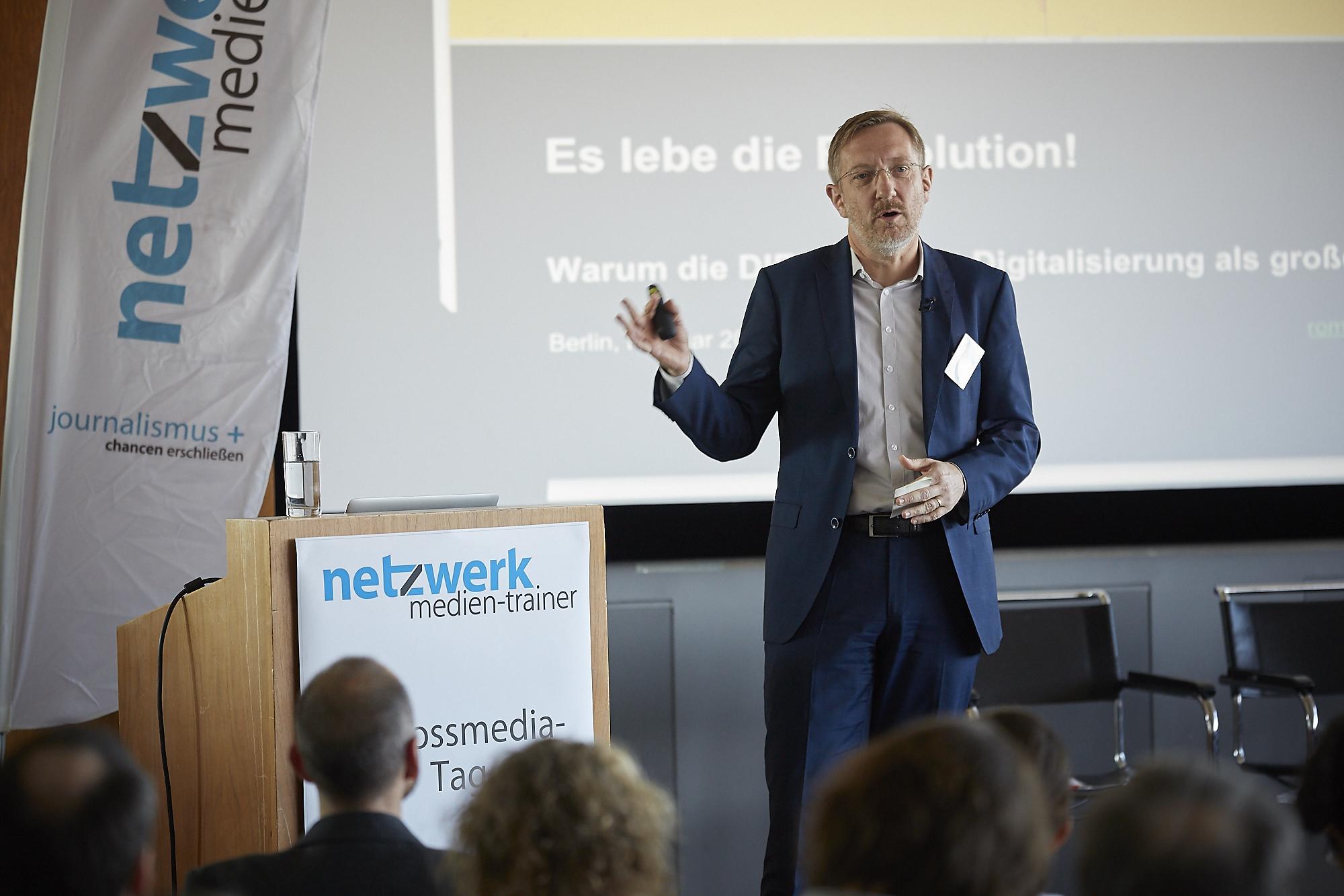 Romanus Otte vom Crossmedia-Tag des netzwerk medien-trainer