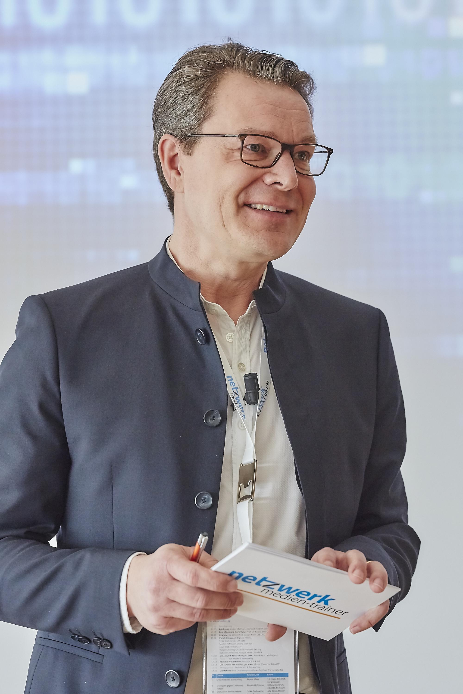 Volker Matthies auf dem Crossmedia-Tag des netzwerk medien-trainer