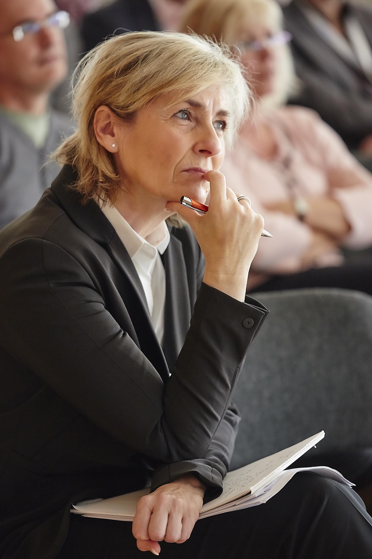Prof. Dr. Karola Wille auf dem Crossmedia-Tag des netzwerk medien-trainer